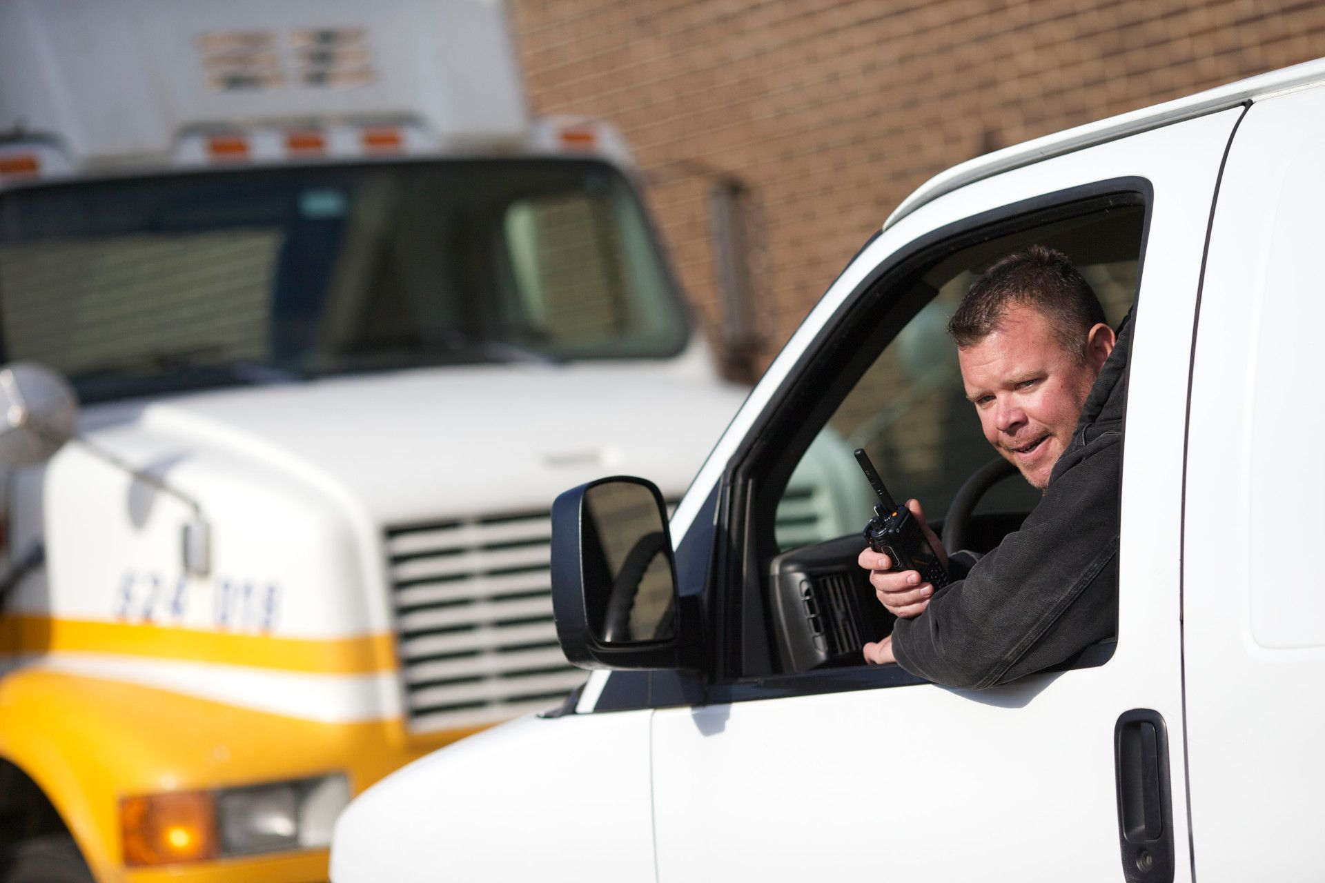 Mobile radio provides fast, reliable communications for fleet vehicles