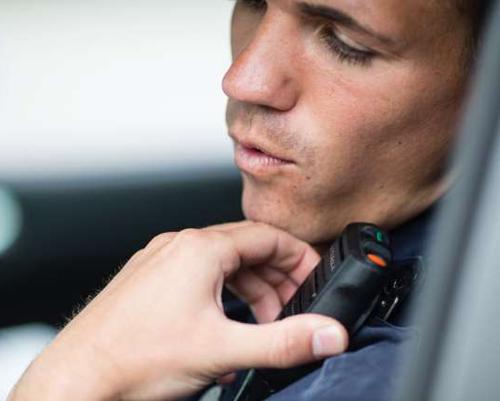 Police Radio Mic >> Two-way Radios & Police Radios - Motorola Solutions