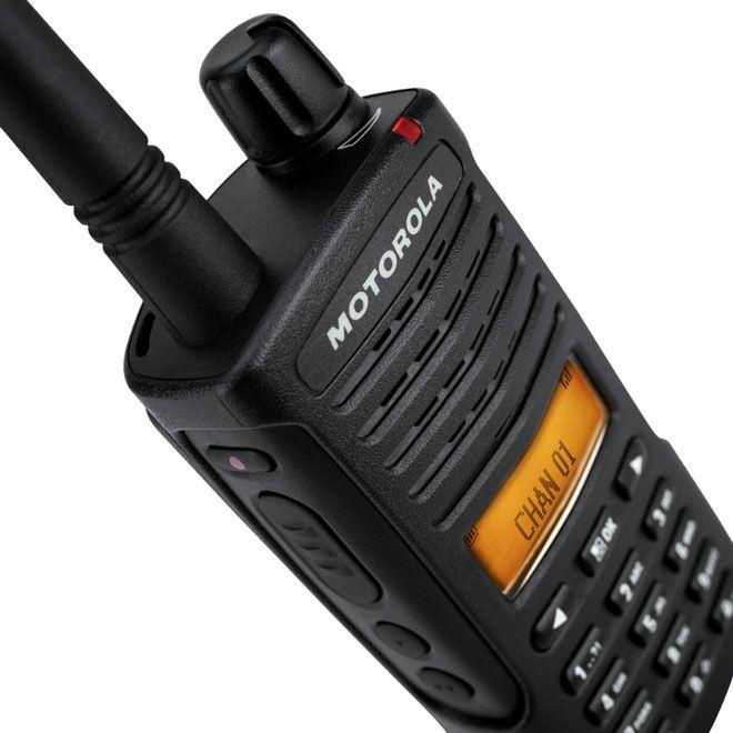 XT600d Series Unlicensed Two-Way Radios - Motorola Solutions